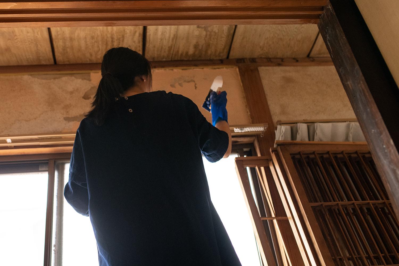 【漆喰壁】下地処理が必要な場合と処理方法について