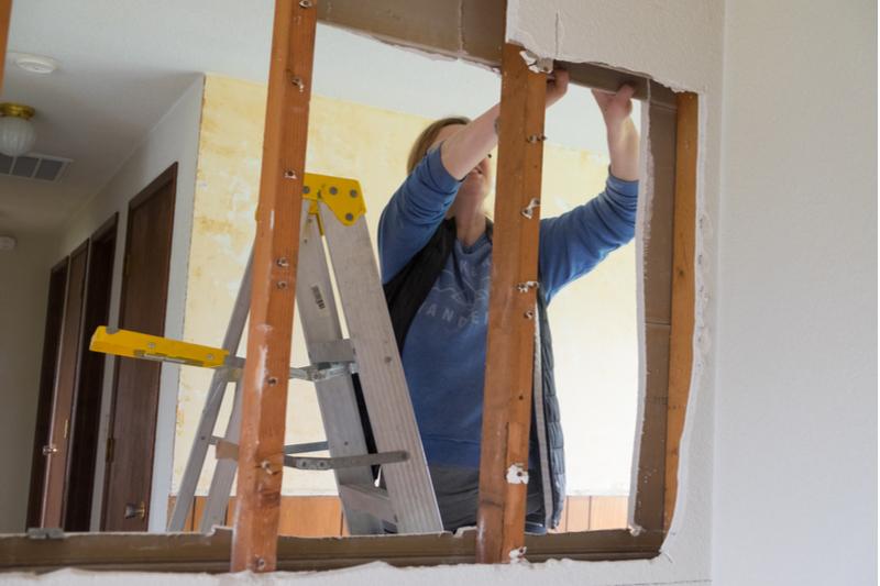 DIYで壁を撤去!撤去の手順と費用の相場、注意点まで詳細解説