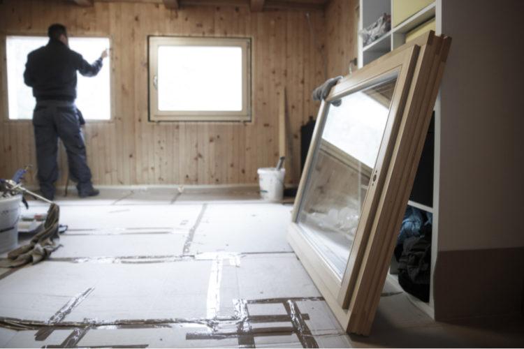外壁面の壁に窓を増設する方法や費用