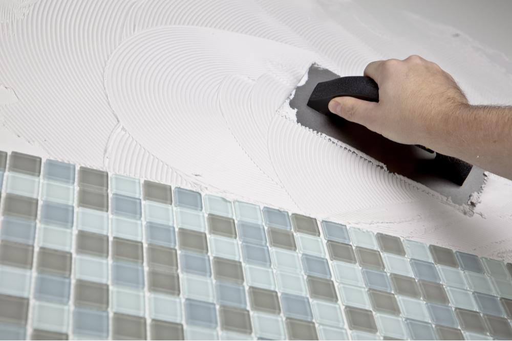 DIYでキッチンにタイルを貼る手順