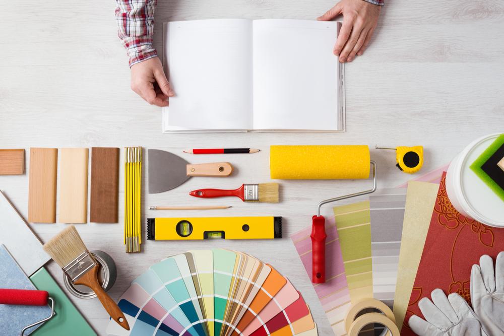 DIYでリビングに壁紙を貼る手順